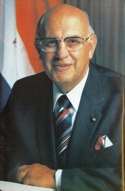 外媒:南非外交部长彼得・威廉・波塔去世 终年86岁