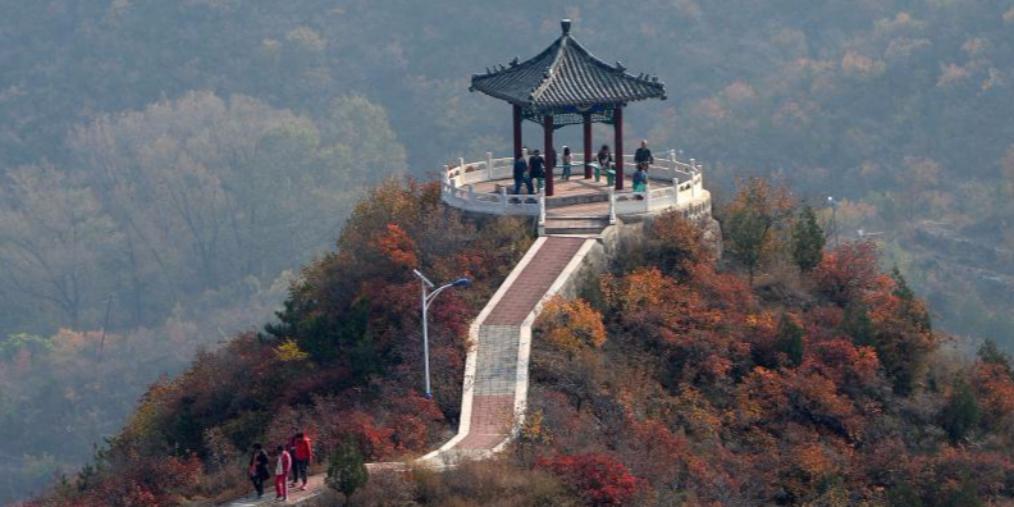 门头沟西达摩村红叶节开幕 吸引众多游客