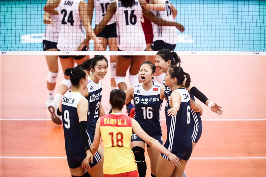 这才是地球德比!中国女排两胜卫冕冠军 国足汗颜不?