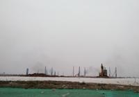 实探恒大FF南沙生产基地:已有桩机打桩、黑烟冒