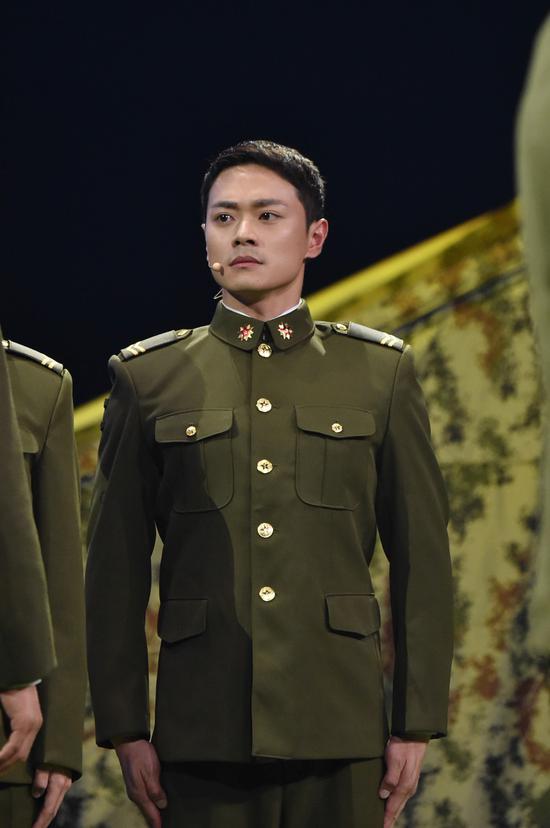 曹骏《我就是演员》重塑许三多 感动导师章子怡