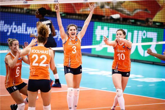 朱婷队友38分荷兰3-2胜美国 中国女排提前进4强