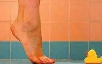 低头踮脚病能治好!这个小动作就是这么神奇