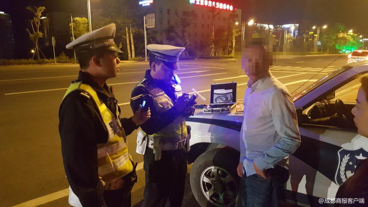 司机酒驾被查称罚多少钱都愿意 警察:吊销驾照