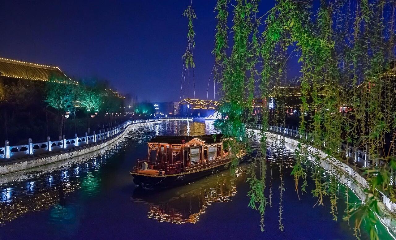 古建筑人文摄影大赛走进御河乘船拍摄水上菊花会