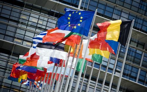 英国首相梅安抚市场:与欧盟分歧没那么大