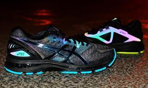 第125期:ASICS LITE-SHOW系列跑鞋