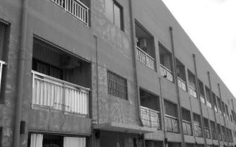 深圳一公寓4房东:有两个又杠上了 400户租客要搬离