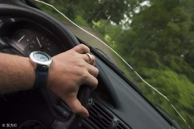 这些误以为正确的驾驶习惯 唐山车主有没有?