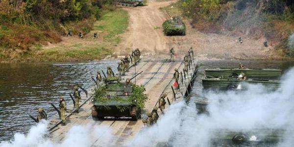 能过坦克的浮桥是如何架设的?