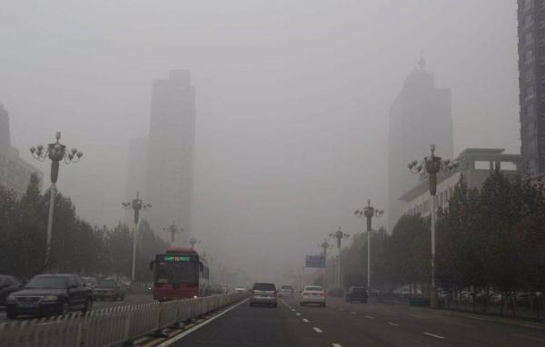 河北今秋首次雾和霾咋来的 周末还要加重?