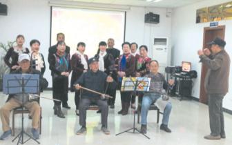 为庆祝重阳节 5位老人在晒书台社区集体过大寿
