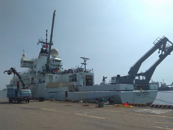 美海军船舰停泊高雄港?台防长忙撇清:与美军无关