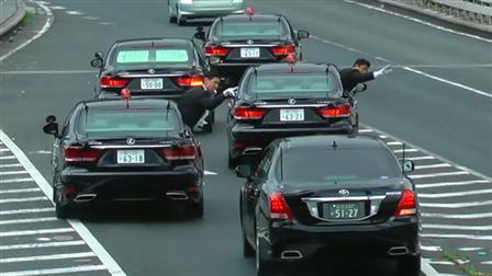 日本首相车队出行加塞变道