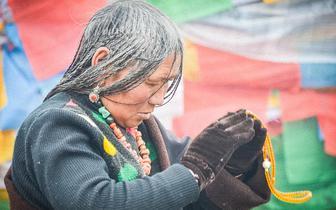 记录西藏朝圣者