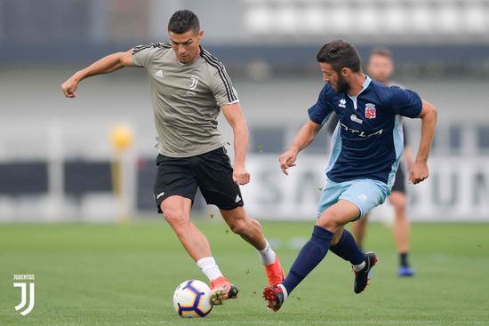 无视场外风波!C罗热身赛破门 尤文2-1意丁球队