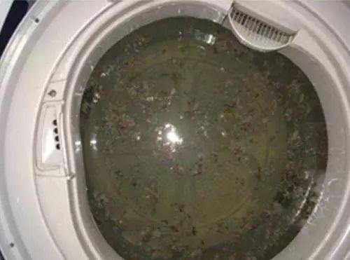 """洗衣机有个""""隐藏开关""""!打开后脏水""""哗哗流"""""""