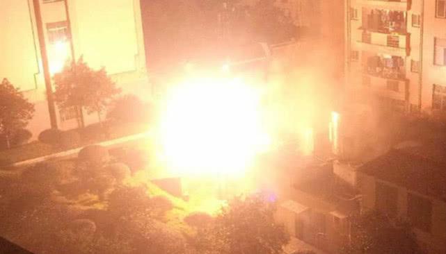 湖南一学院配电房负荷过大致爆炸 学生一片尖叫