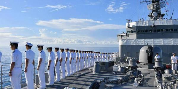 日本训练舰抵夏威夷访问