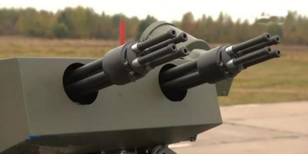 俄罗斯无人战车每分可打万发弹幕!
