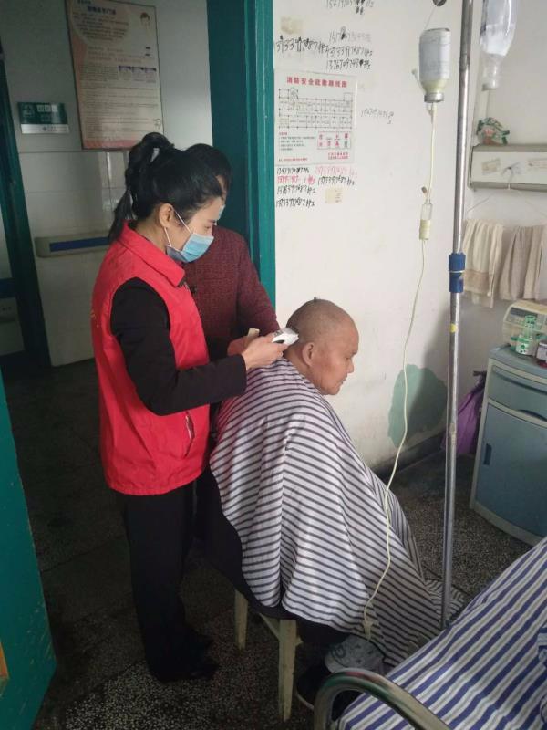 江西省胸科医院开展志愿服务进病房活动