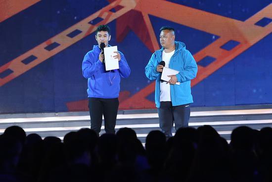 成龙黄晓明齐聚星光行动 赵薇将执导纪录电影