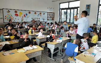 孝感市小悟乡中心校对新上岗教师开展教学视导