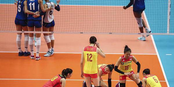 中国队六连败意大利 对手跪地痛哭庆胜利