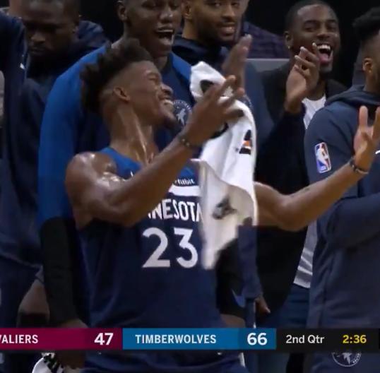 【影片】總算硬了一把!Towns送大火鍋助Wiggins反擊得分 Butler手舞足蹈慶祝!-Haters-黑特籃球NBA新聞影音圖片分享社區
