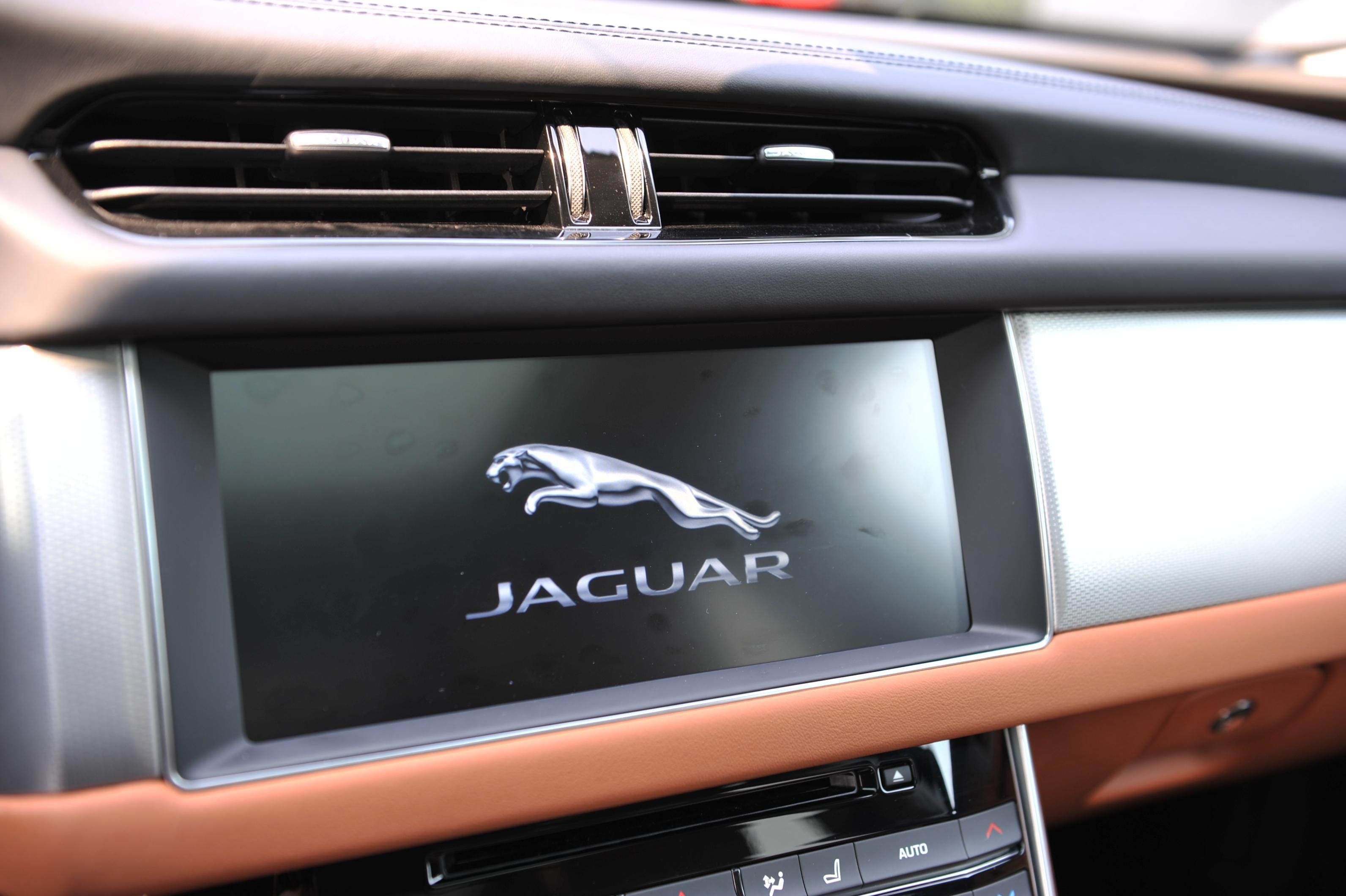 豹力升级 2019款捷豹XFL新增300马力四驱车型