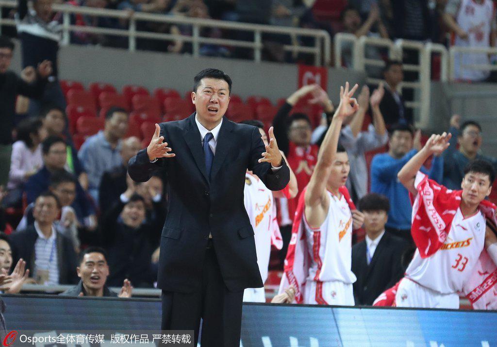 弗雷戴特38分上海逆转八一 王治郅主教练首秀告负