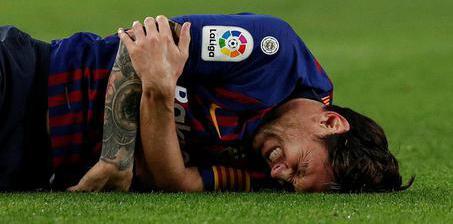 巴萨重回榜首却迎噩耗 梅西骨折无缘国家德比