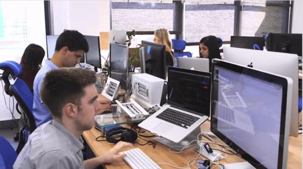 链工程师平均年薪超 15万美元. 堪比 AI工程师