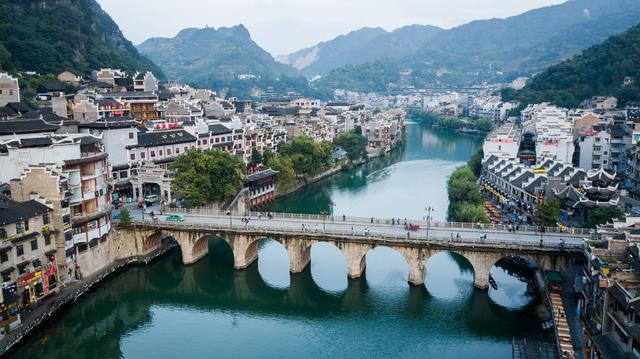 """中国必去免费古镇:被誉为""""东方威尼斯"""",夜景一流,物价还低"""