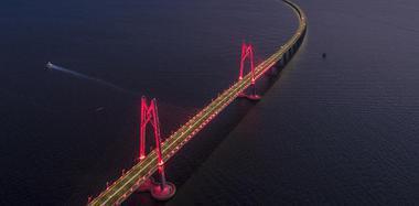 港珠澳大桥将正式通车 航拍大片先睹为快