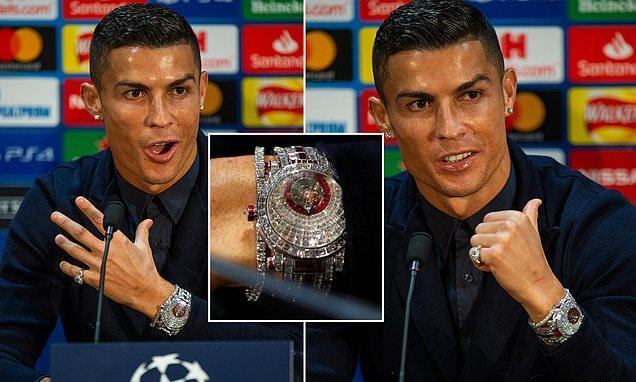 C罗佩戴185万手表,镶嵌424颗钻石