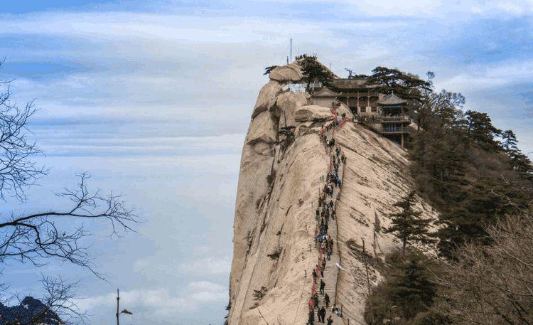 中国最危险的华山栈道,到底是何人修建,华山一条道如何修的?