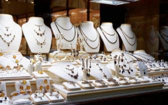 珠宝行业传统格局悄然改变 转型艰难但势在必行