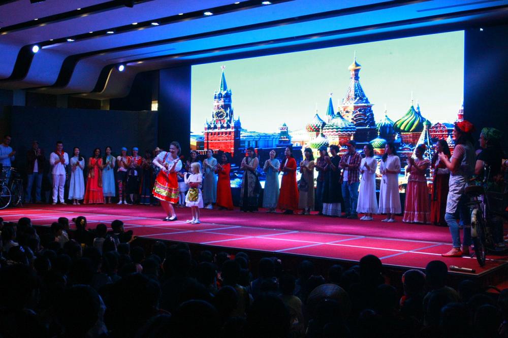 宁波华茂国际学校23个国家师生欢庆世界联合国日