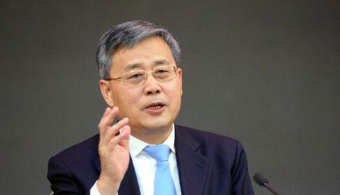 郭树清:中国经济前景光明 金融风险总体可控