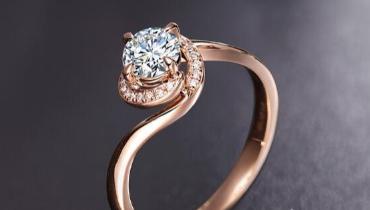 钻戒材质:玫瑰金钻戒和铂金钻戒哪个好?