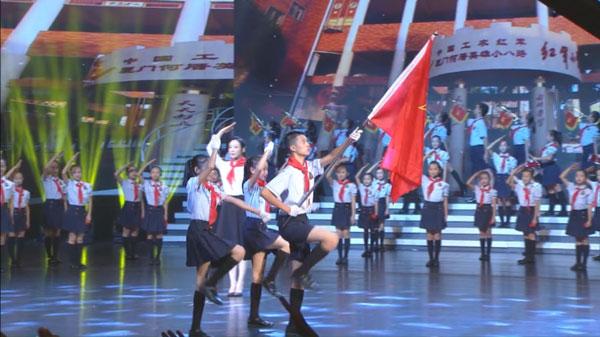 系起新时代的红领巾 做好共产主义接班人