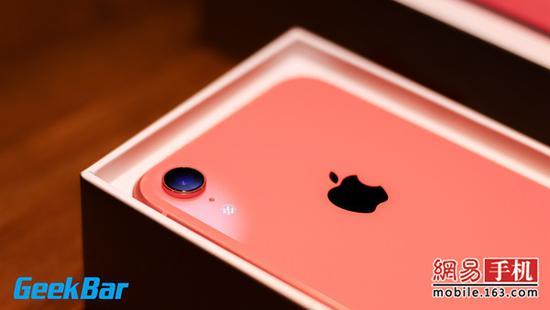 """iphone xr详细拆解报告:内部未因""""廉价""""缩水"""