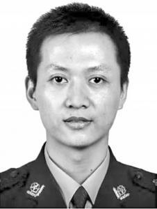 46岁民警因公牺牲 八旬母亲3天后才知道儿子死讯
