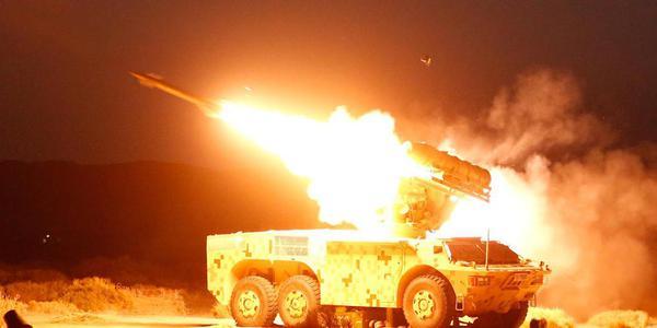 HQ-7B導彈戈壁灘實彈發射場面壯觀