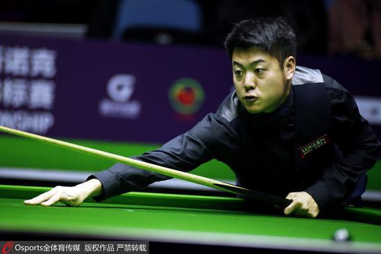 国锦赛梁文博4-6首轮出局 傅家俊6-5绝杀小特6-0