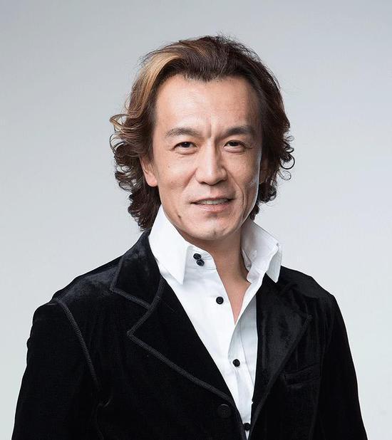 主持人李咏去世 妻子哈文早已解散公司陪老公抗癌