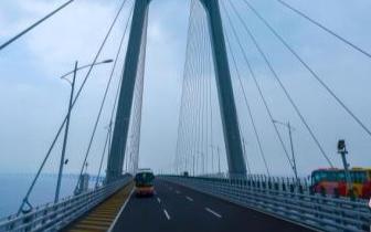 港珠澳大桥使用人次创开通以来新高 27日达5.9万