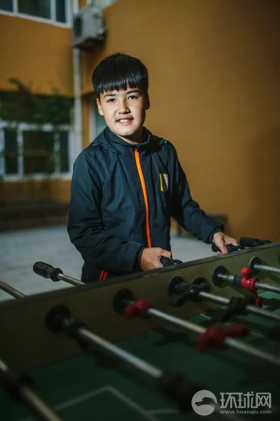 12个新疆孩子的足球梦 他们会让中国足球成功吗?