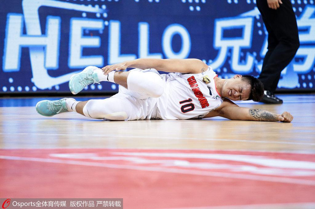 赵睿:伤病无碍可以继续比赛 感谢搀扶我的队友们